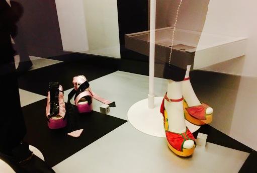 FloorShowShoes
