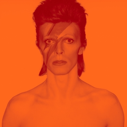 2018_David_Bowie_is_1_Album_cover_shoot_for_Aladdin_Sane_1973_v3_DRAFT_4_2000w_600_602