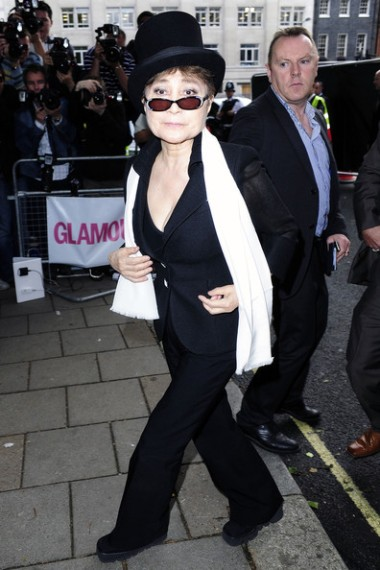 Yoko+Ono+2010+Glamour+Awards+held+Berkeley+qrZpbSKNFVDl